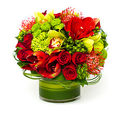 Diffe Shades Of Red And Fresh Spring Greens Is Made With Amaryllis Imported From Holland Pin Cushion Proteas Hyperi Berries Hydrangeas